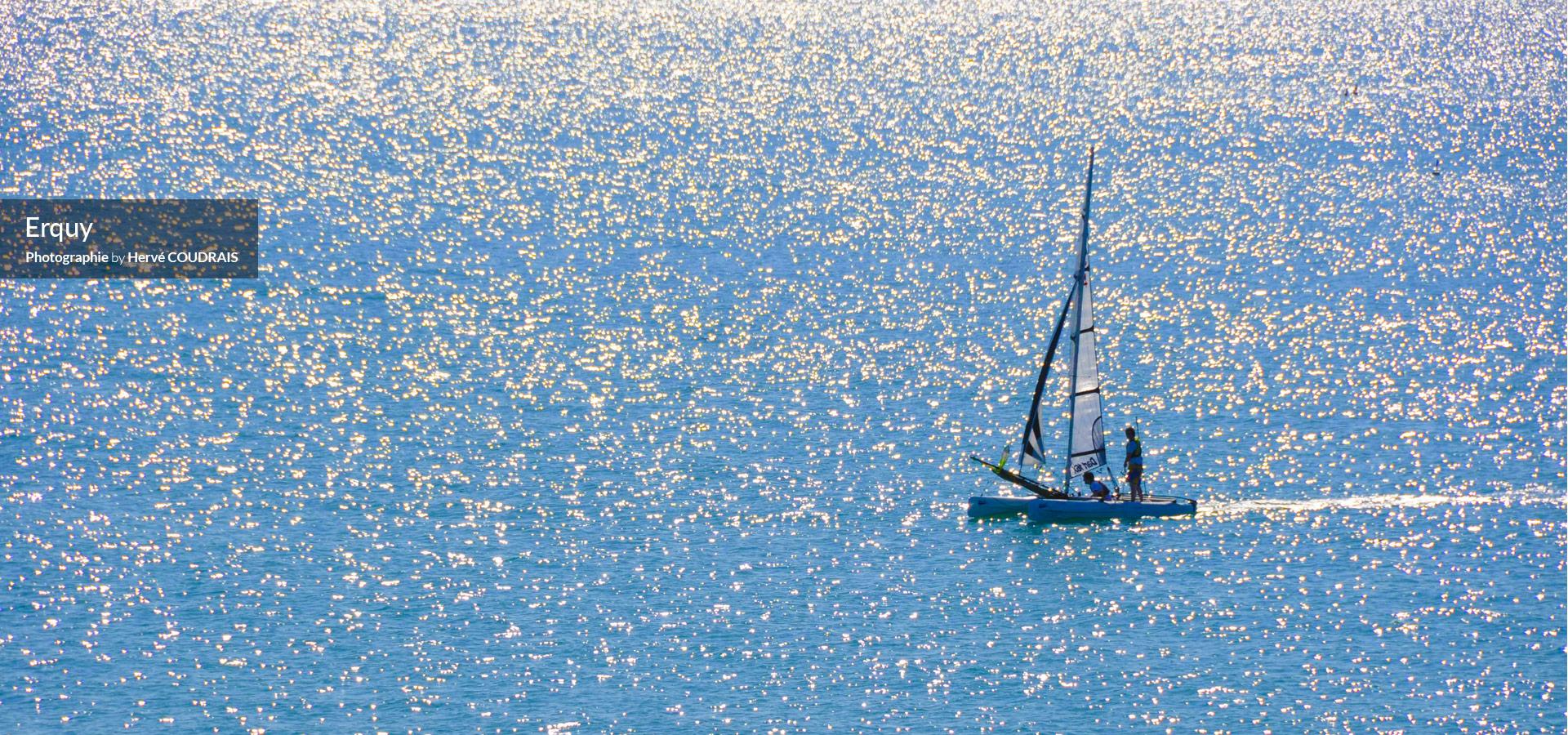 Cap Erquy (photographie Hervé Coudrais, le port d'Erquy, Caroual, le phare d'Erquy, tourisme, Côtes d'Armor, Bretagne...)