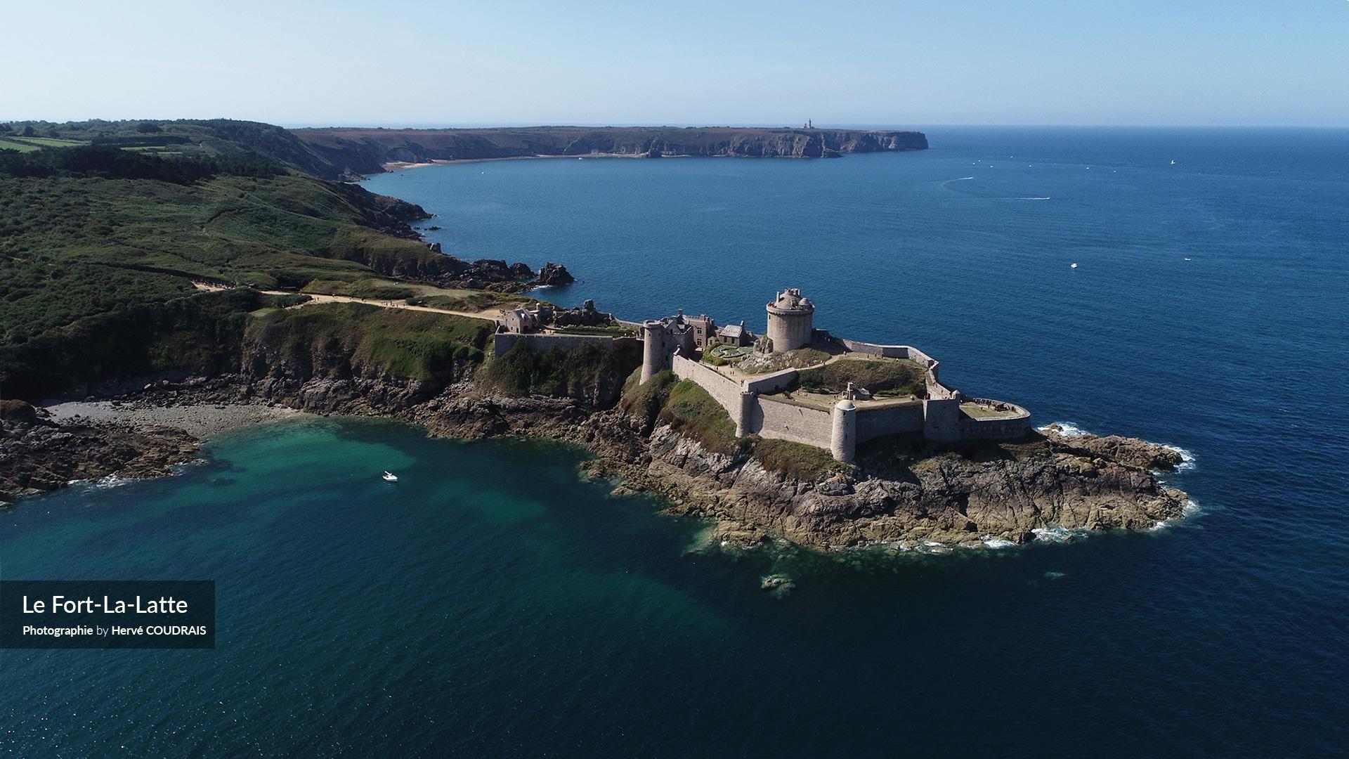 Le Fort La-Latte, Plévenon, Fréhel, Photographie Hervé Coudrais, Côtes d'Armor, Bretagne, drone, tourisme, vu du ciel,